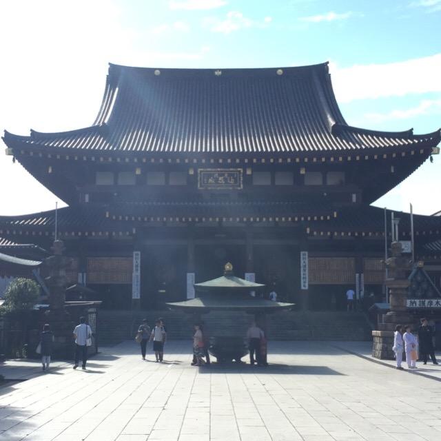 【川崎大師 平間寺】 厄除け弘法大師。厄除け護摩祈祷で有名。川崎市内で一番、初詣客が来るところ