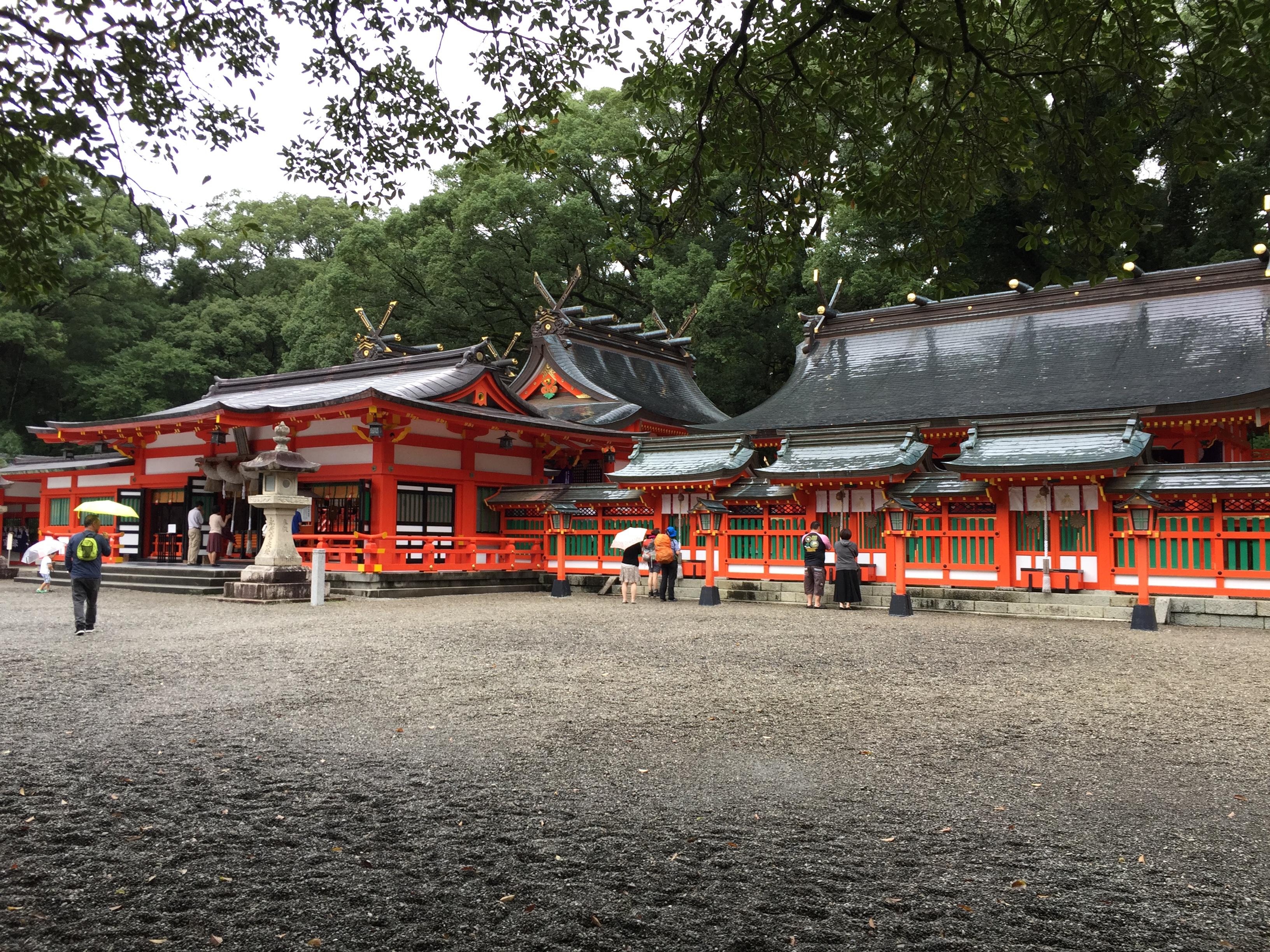 【熊野速玉大社】 熊野三山の一つ。御神木「ナギ」の木、牛王符。熊野と沖縄には繫がりがある?