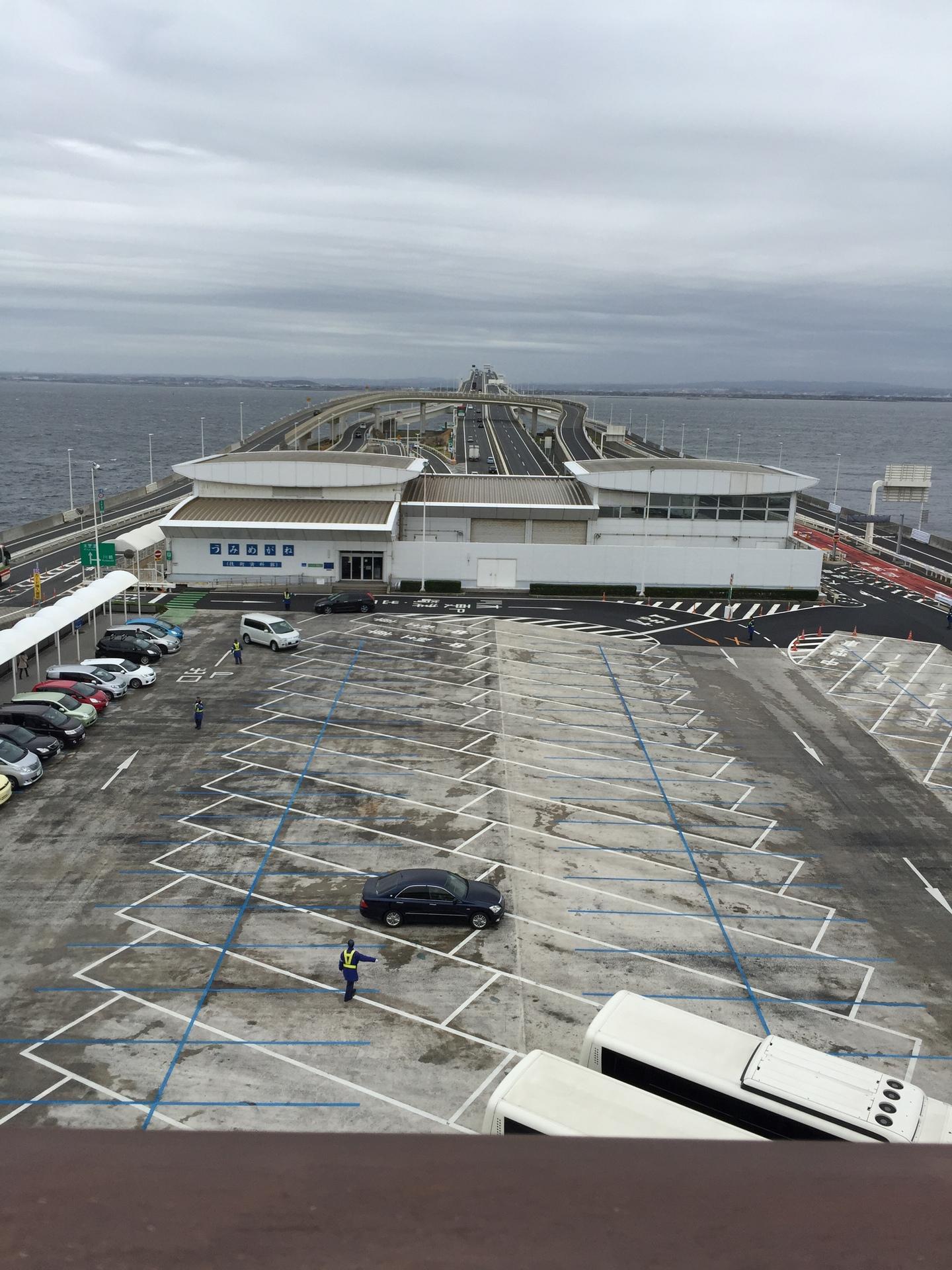 【東京湾アクアライン】 海ほたるとうみめがね。神奈川県から千葉県へ移動