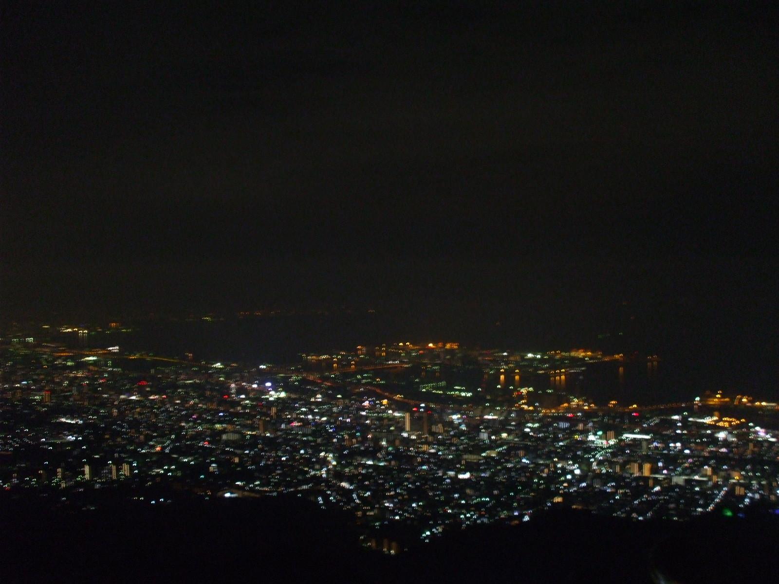 【摩耶山掬星台(まややまきくせいだい)】 日本三大夜景。まやビューライン、神戸1000万ドルの夜景と、きらきら小怪