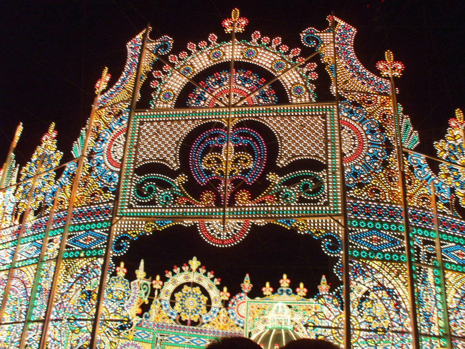 【神戸ルミナリエ】 阪神淡路大震災の鎮魂と復興を祈る、光の芸術