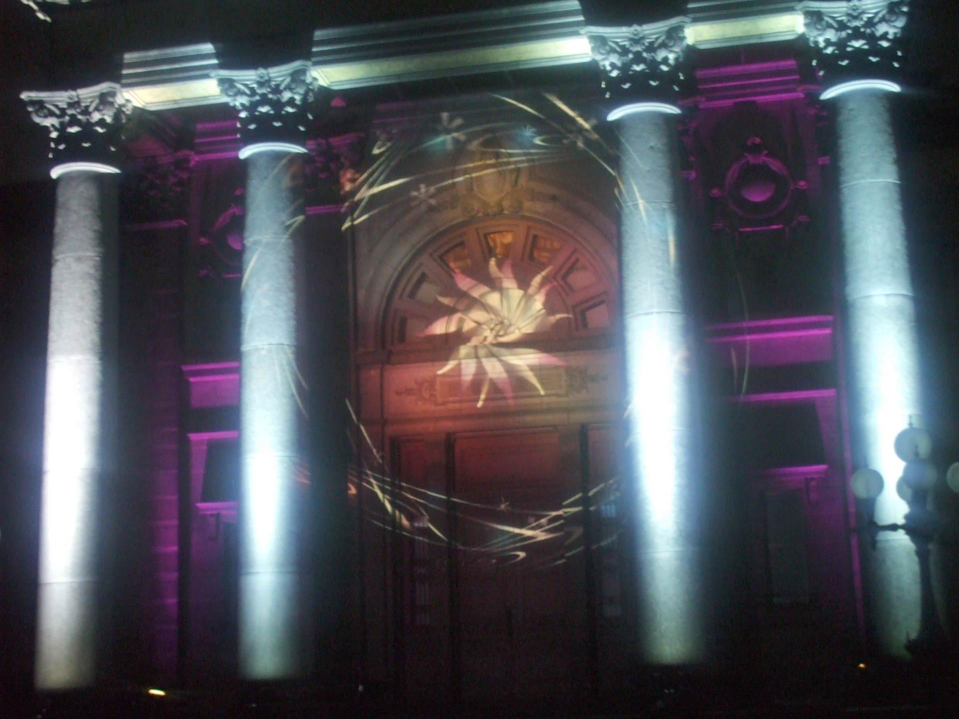 【OSAKA光のルネサンス】 ウォールタペストリーが美しい!