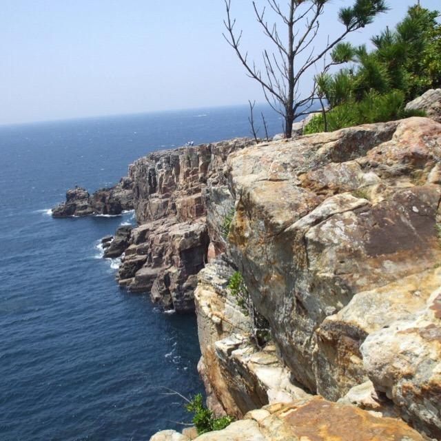【三段壁】 断崖絶壁の観光地、恋人の聖地、日本初クリフダイビング会場、自殺の名所