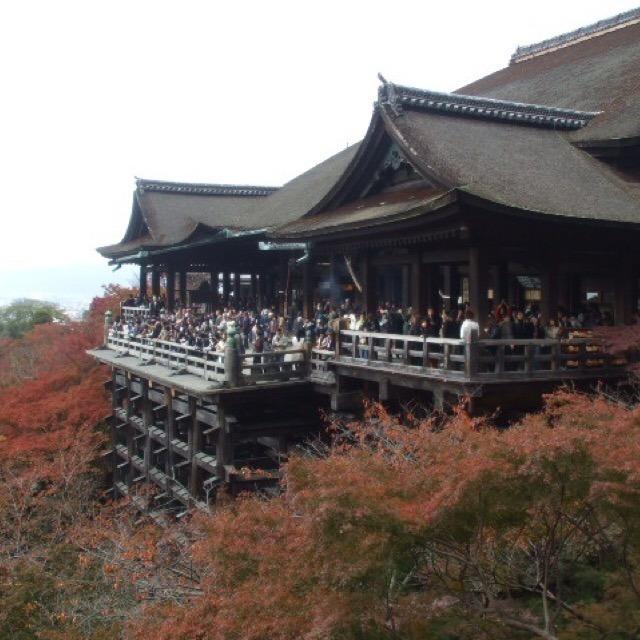 【清水寺】 清水の舞台、音羽の瀧、縁結びの自主神社など、見どころがたくさんある