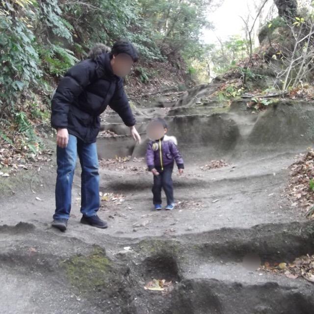 【化粧坂切通しと、源氏山公園】 山を削って造られた通路がスゴイ。一度通ってみてください