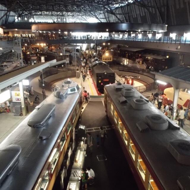 【鉄道博物館(てっぱく)】 東日本で一番大きな鉄道博物館。シミュレーターをしたい方は、開園前に到着しましょう!