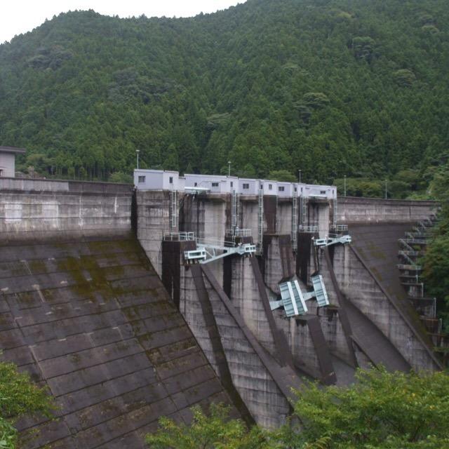 【二川ダム】 1953年の紀州大水害がきっかけで作られた。祖母の苦労話を紹介