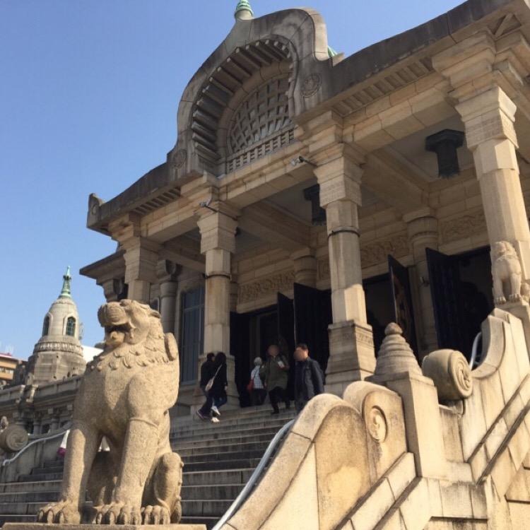 【築地本願寺】 築地の由来となったお寺で、インドの古代仏教建築を模している