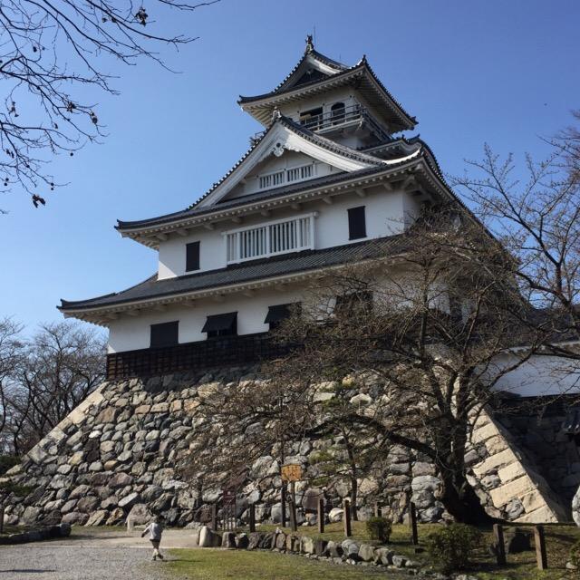 【長浜城】 羽柴(豊臣)秀吉が初めて築城したお城。大出世した秀吉の出身が謎