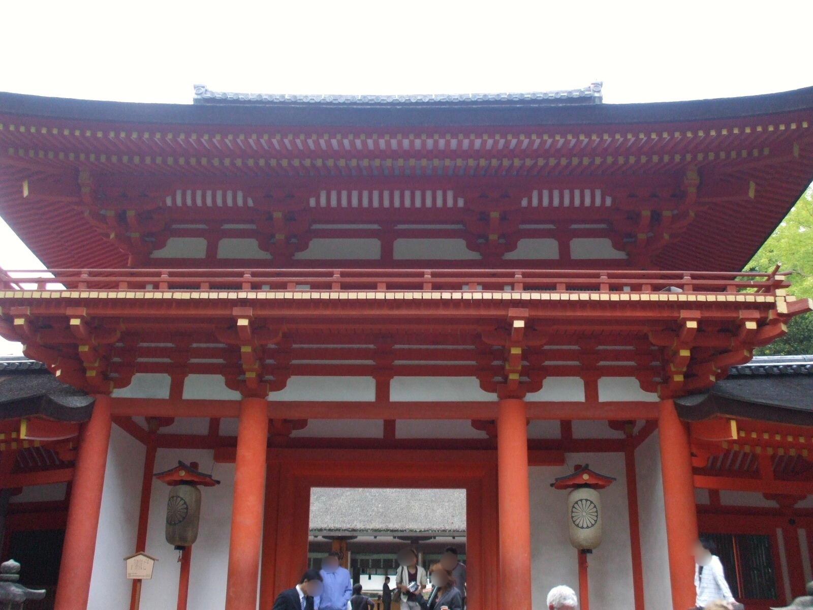 【奈良公園② 春日大社】 全国に1,000ある春日神社の総本社で、中臣氏(のちの藤原氏)の氏神を祀る