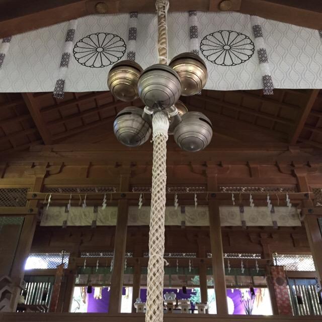 【天河大弁財天社】 別名「天河神社」は、竹生島、厳島と共に日本三大弁財天の一つ。独特的な五十鈴守り