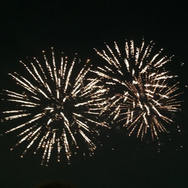 花火を見ると思い出すこと。私たちの始まりは、花火だった!