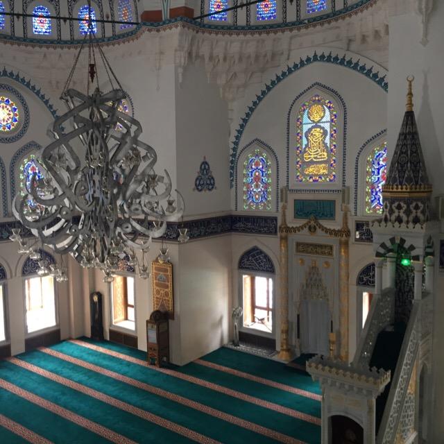 【東京ジャーミイ・トルコ文化センター】 東アジアで一番美しいモスクに平日見学に行った。入場料無料。服装や注意事項について