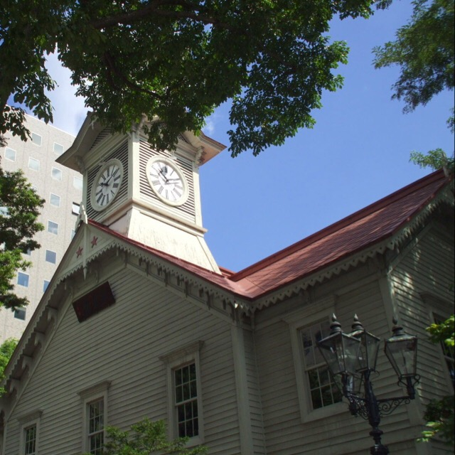 【札幌市時計台、さっぽろTV塔】 札幌駅から徒歩でまわれる観光スポット。札幌の時計台は、日本三大がっかりスポット?