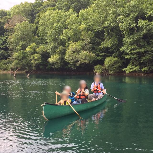 【支笏湖、千歳川 カヌー体験】 かのあのファミリーカヌー(子供とのアクティビティ)体験。所要時間、料金、服装、注意事項について