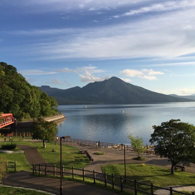 【支笏湖ビジターセンター】 水質10年連続1位、日本で2番目の深さの支笏湖について学べる無料施設