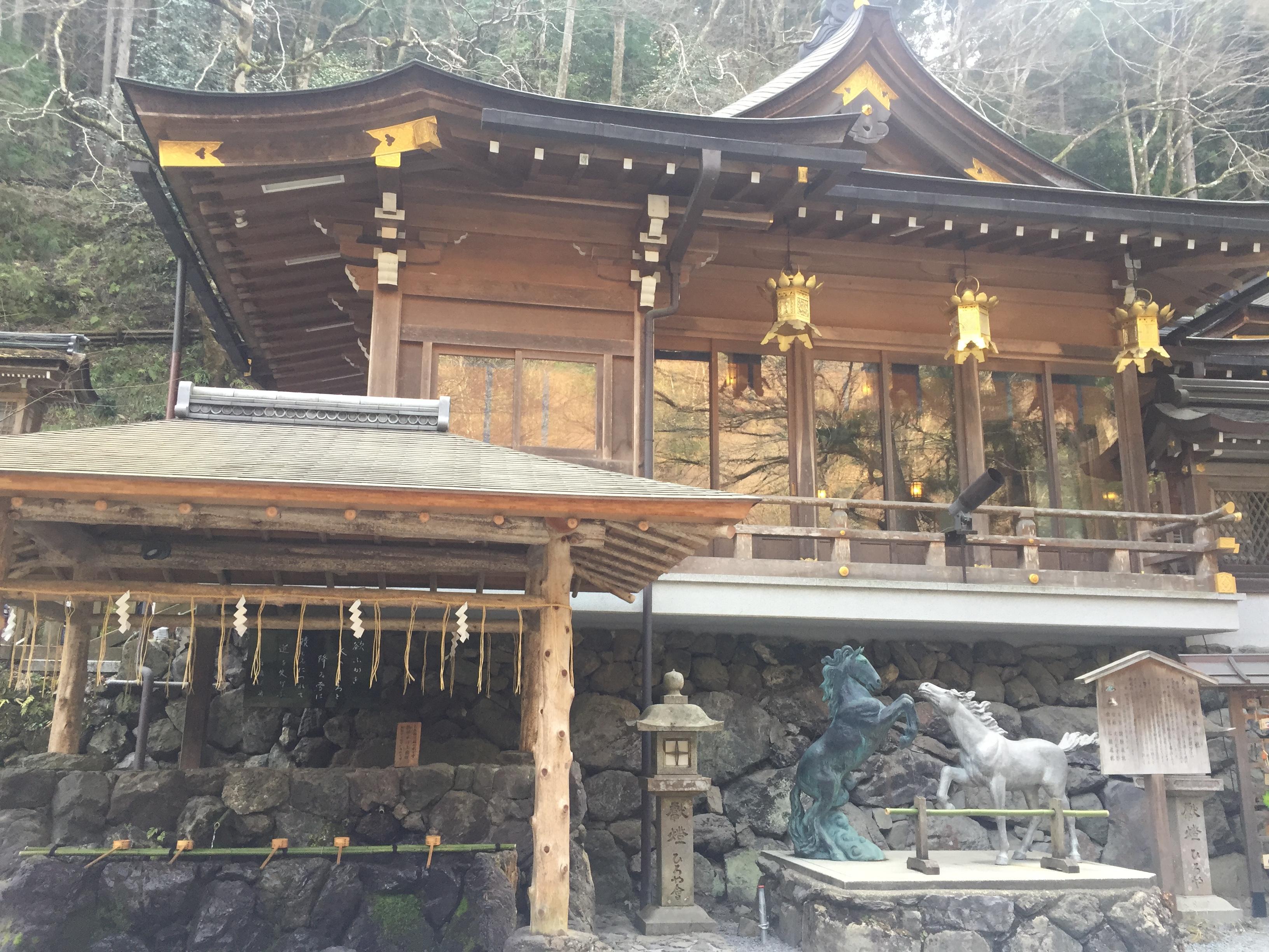 【貴船神社】 日本のルルドの泉! 貴船神社の総本社で、絵馬発祥の地。緑と水が気持ち良い癒しスポット