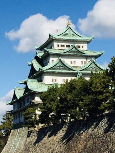 【名古屋城】 日本三名城。徳川御三家の一つで、金鯱がスゴイ。木造に建て替えるため入城停止中。